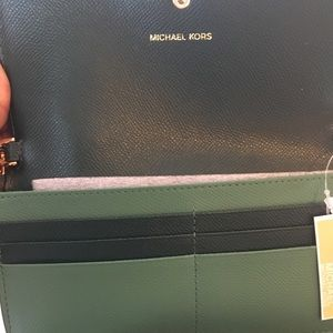 NWT 🆕 Michael Michael Kors Chain Wallet Bag